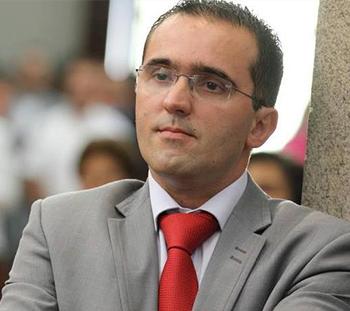 Presidente Assembleia - Hélder Miguel Alves da Fonte Pereira