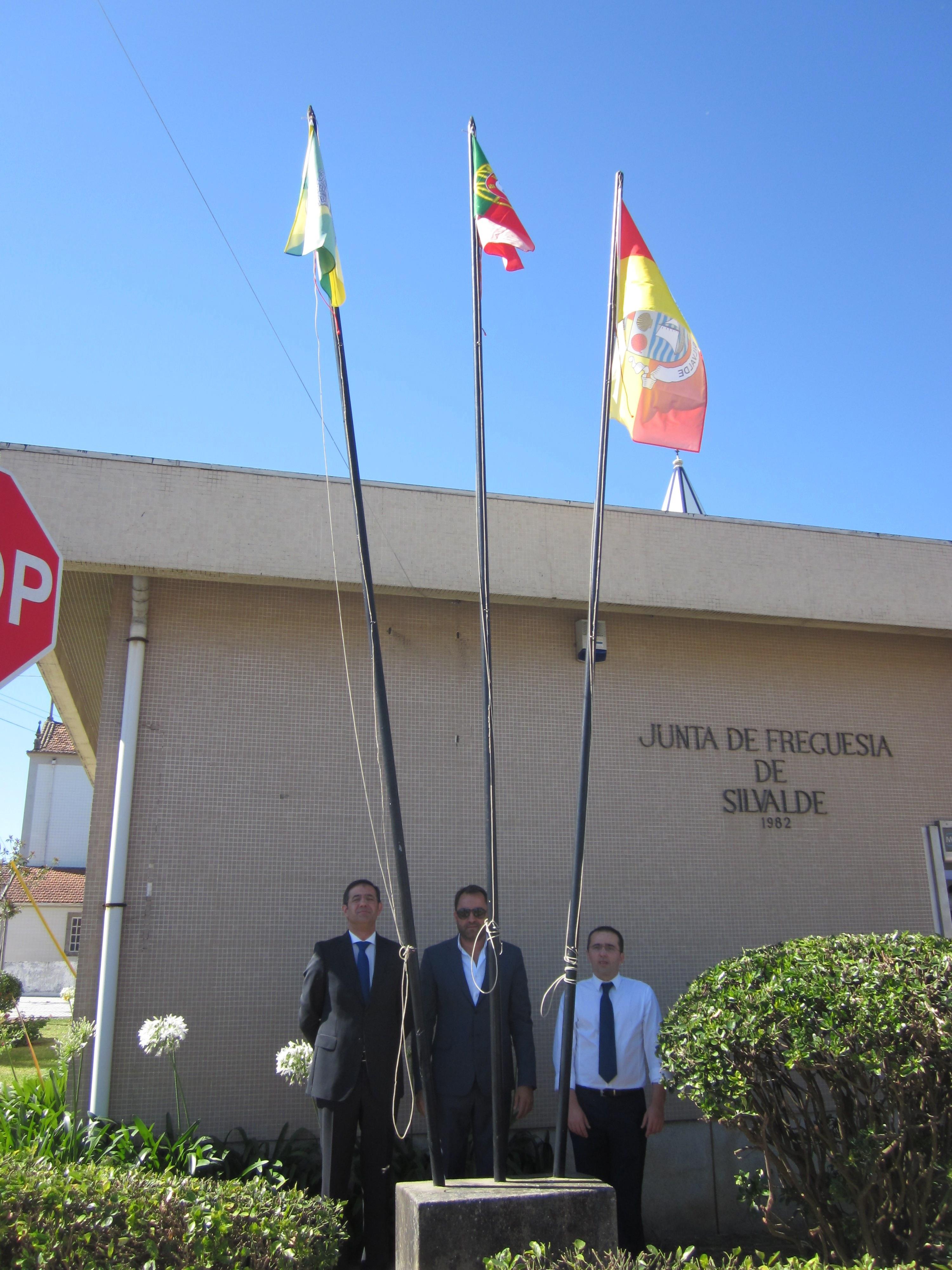 Dia da Vila 01 - Hastear da Bandeira